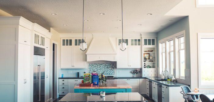 Pourquoi se tourner vers une crédence dans la cuisine ?